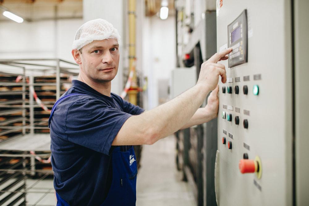 Bez údržbářů by to nešlo - udržují naše stroje v kondici.